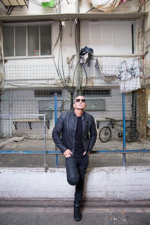 לחצו על התמונה לסיפורו של המעצב עובד כהן (צילום: ענבל מרמרי)