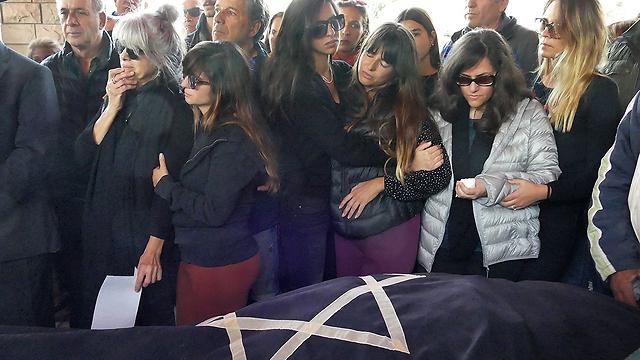 הלווייתו של ג'ינו לפני שנה. סגרו את החוב במלאת שנה למותו (צילום: אפי שריר) (צילום: אפי שריר)