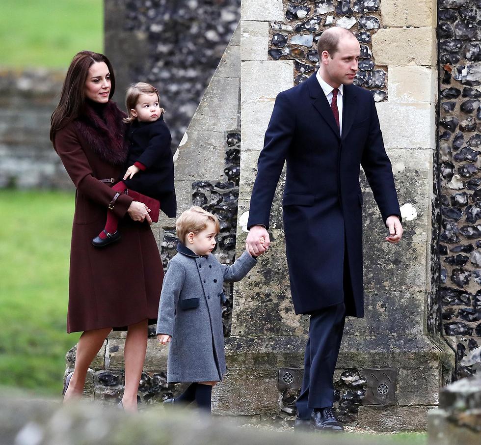 וויליאם וקייט עם ילדיהם, הנסיכים ג'ורג' ושארלוט (צילום: gettyimages) (צילום: gettyimages)
