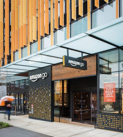Amazon Go בסיאטל. לקנות בלי לעבור בקופה, לצאת בלי אינטאקציה אנושית (צילום: Amazon Go)