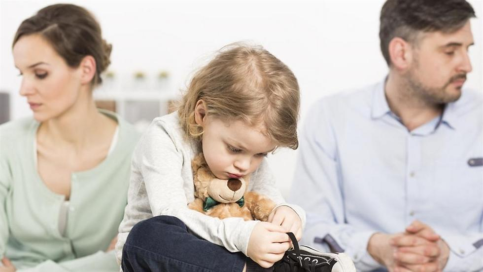 שדרו חום ואיכפתיות מול הילדים (צילום: shutterstock) (צילום: shutterstock)