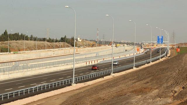 כביש 531 ליד שכונת 2005 ברעננה (צילום: מוטי קמחי) (צילום: מוטי קמחי)