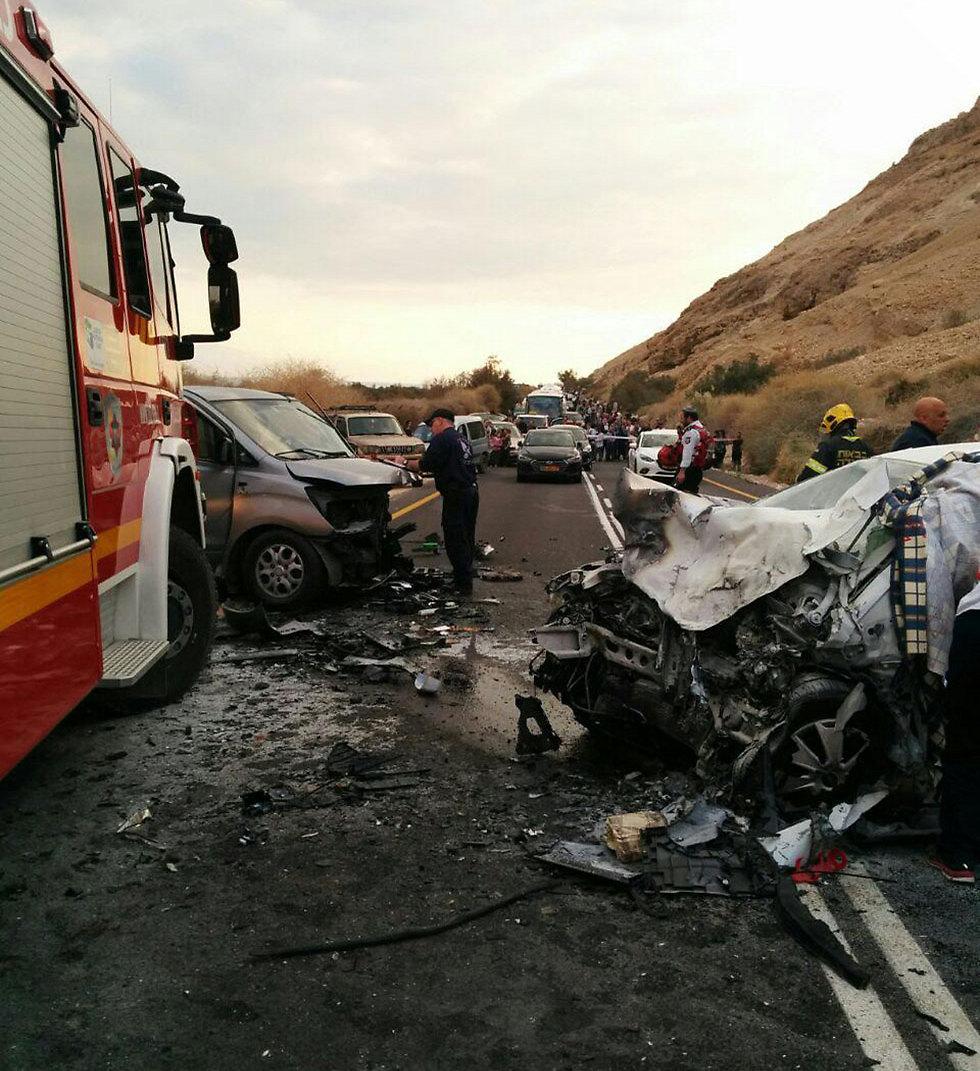 """תאונה בכביש 90. בקטע המשודרג פחתו משמעותית התאונות   (צילום: דוברות מד""""א)"""