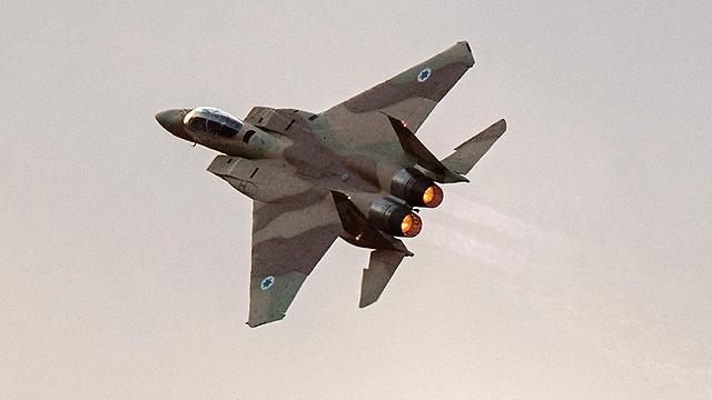מטוס f-15. טלפון בהול אחרי ההמראה (צילום: AFP) (צילום: AFP)
