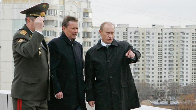 פוטין ליד מטה GRU (צילום: AFP) (צילום: AFP)