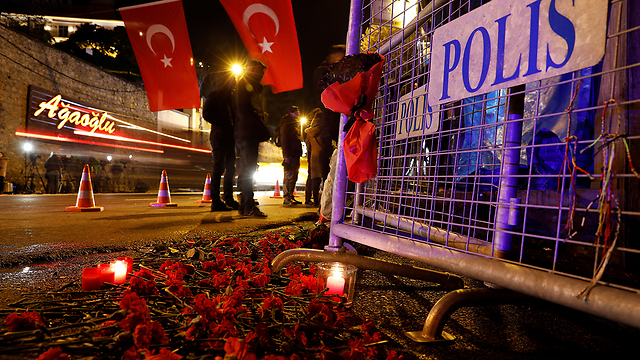 Scene of the attack in Istanbul (Photo: Reuters)