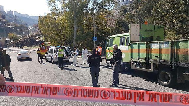 Scene of Haifa terror attack (Photo: Gil Nechushtan)