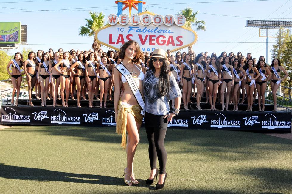 ראסי מעניקה חסות לשלב בגדי הים בתחרות מיס יוניברס 2010 (צילום: rex/asap creative)