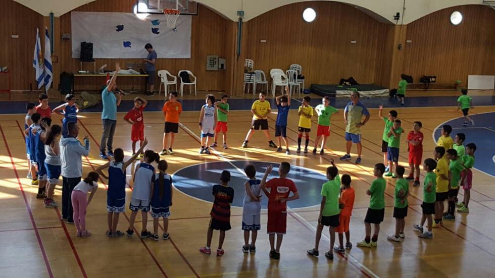 """פעילות משותפת במתנ""""סים לילדים ערבים ויהודים (צילום: נדב רותם) (צילום: נדב רותם)"""