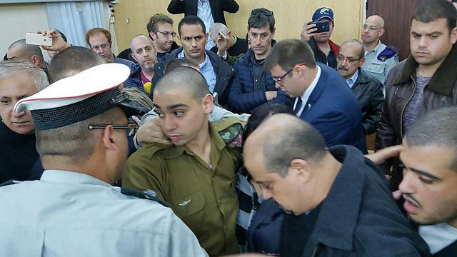 הורשע פה אחד. אלאור אזריה, היום בבית הדין הצבאי בקריה (צילום: יואב זיתון) (צילום: יואב זיתון)