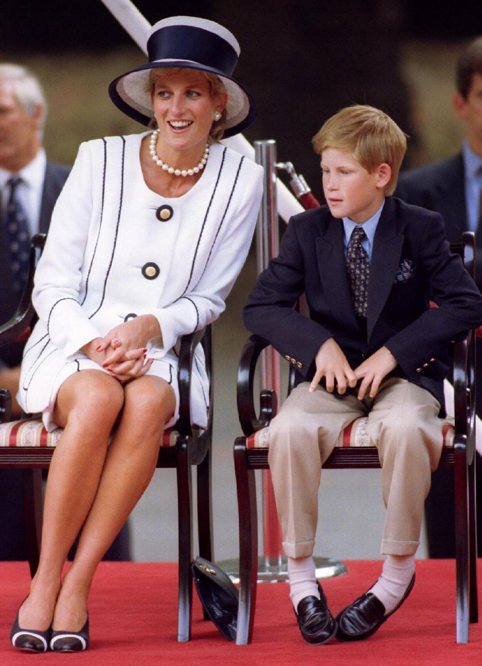 הנסיך הצעיר פופולרי בממלכה הבריטית ובעולם בדיוק כמו אמו המנוחה דיאנה, ואף פעיל בארגוני צדקה כמוה (צילום: רויטרס) (צילום: רויטרס)