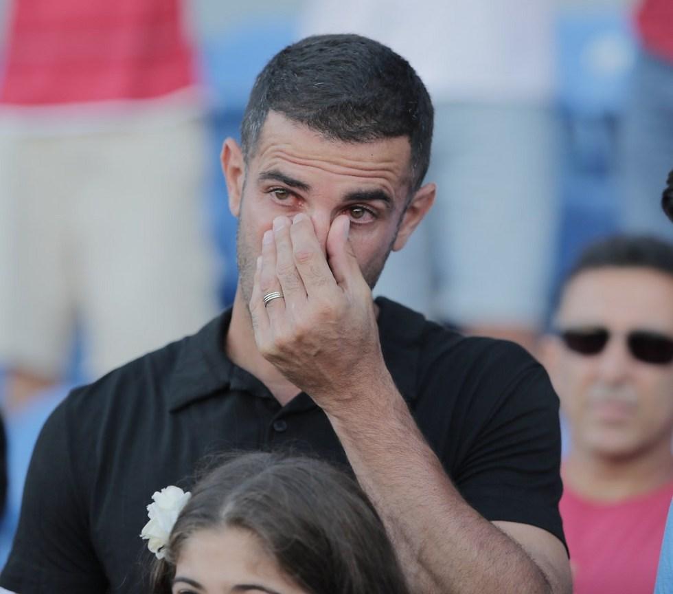 יגאל אנטבי מזיל דמעה באירוע לרגל הפרישה (צילום: ראובן שוורץ) (צילום: ראובן שוורץ)