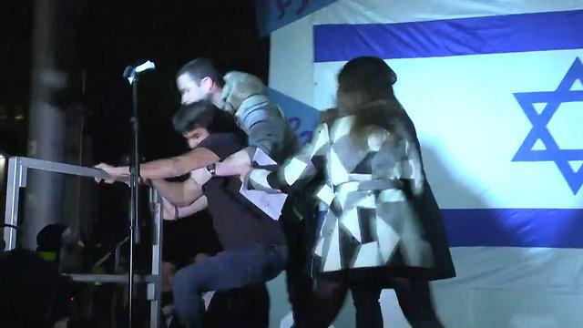 Attempts to remove Karmi Buzaglo from the stage