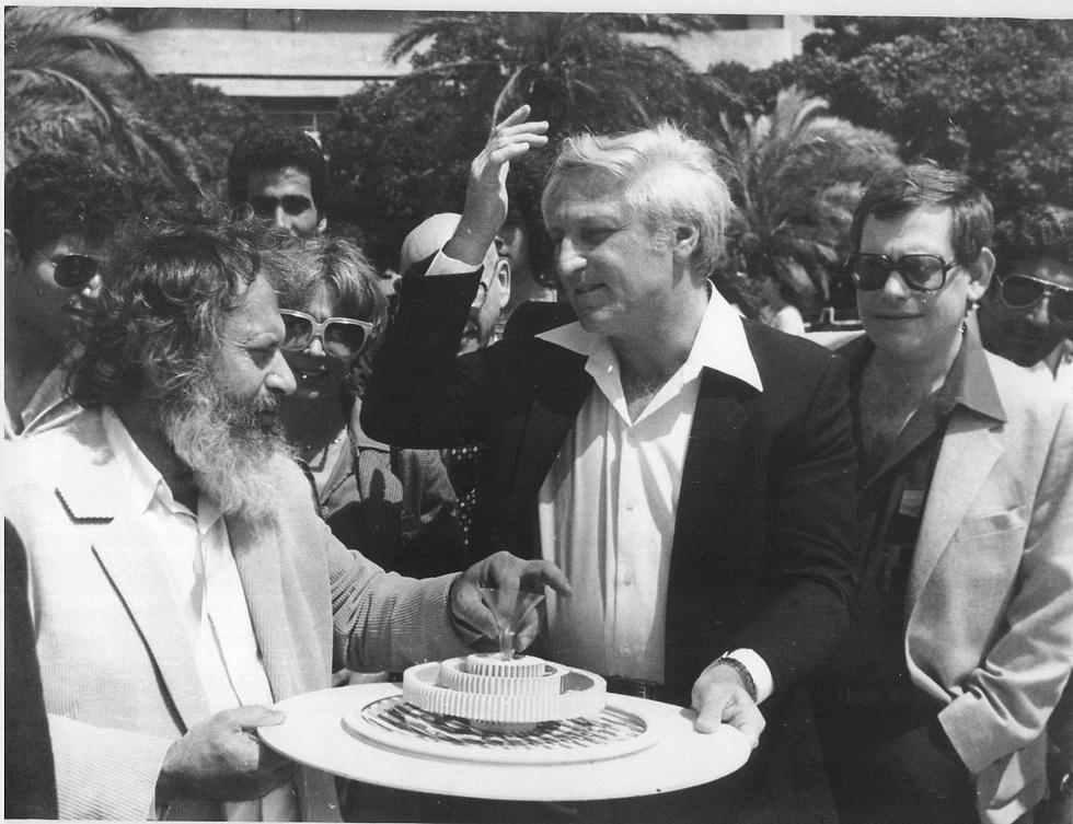אגם וראש העיר שלמה להט (צ'יץ') ב-1982 (צילום: יוסי רוט)