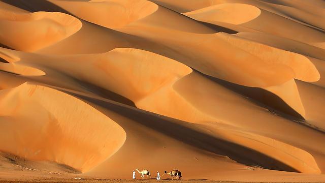 באיחוד האמירויות משמרים את החוויה הבדואית רק כתרבות פנאי לימי החורף (צילום: AFP) (צילום: AFP)