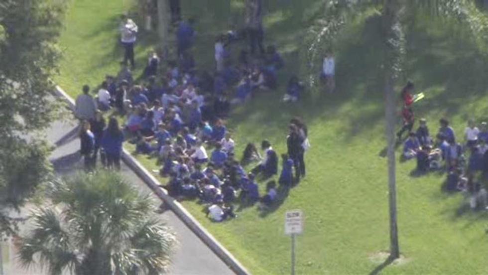 פינוי מרכז יהודי בפלורידה (ארכיון) (צילום: CBS) (צילום: CBS)