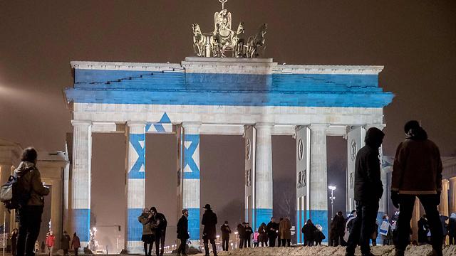 שער ברנדנבורג מואר בדגל ישראל, השבוע (צילום: AFP) (צילום: AFP)