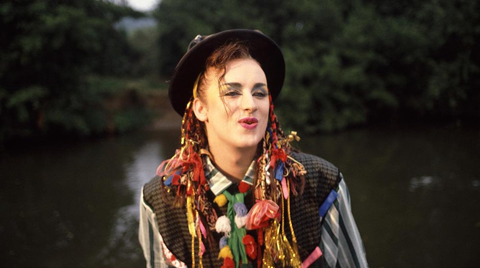 הצמות הארוכות והתלבושות המוגזמות נעלמו עם השנים. בוי ג'ורג', 1983 (צילום: rex/asap creative)
