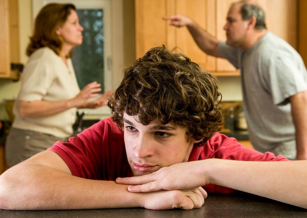 הילדים לא אמורים להכתיב להורים כיצד להתנהג (צילום: Shutterstock) (צילום: Shutterstock)