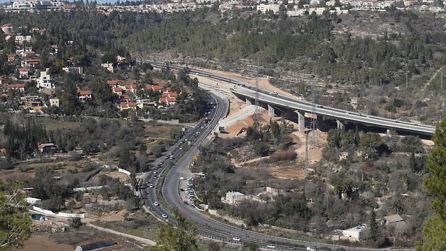 גשר מוצא (צילום: אלכס קולומויסקי)