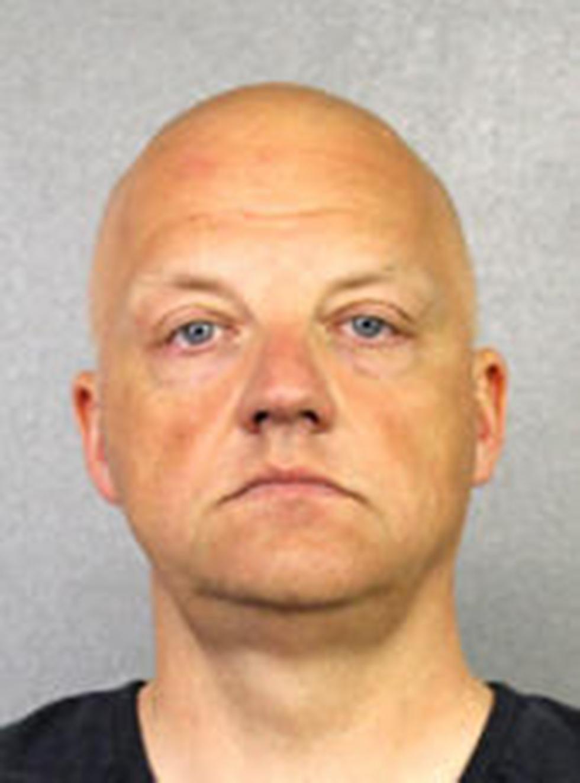 אוליבר שמידט. נעצר ונאשם (צילום: AP / Broward County Sheriff's Office)