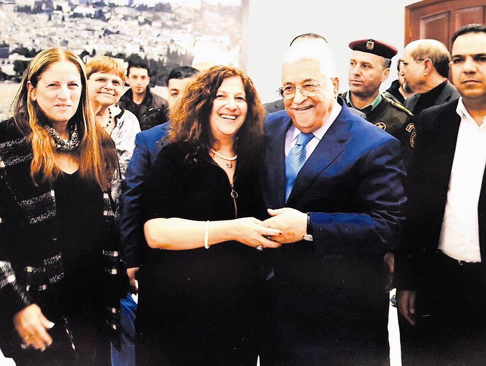 דריה ארבל ואבו מאזן (צילום: הצלם הנשיאותי של הרשות הפלסטינית)