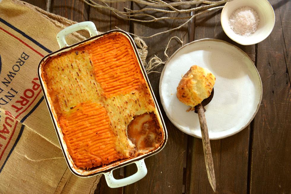 פאי רועים בשני צבעים עם תפוחי אדמה ובטטות (צילום: אפרת מוסקוביץ)