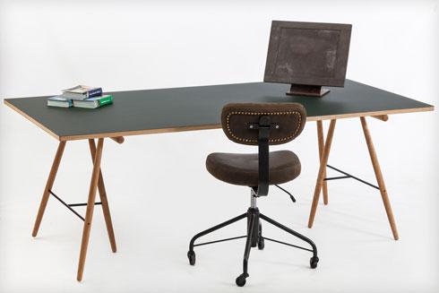 12 כיסאות עבודה יפים. לחצו לכתבה המלאה (צילום: אלעד גונן)