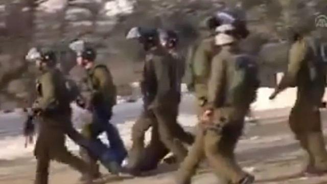 IDF soldiers carrying Al-Amour