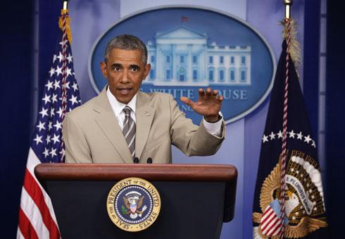 """""""הנשיא עומד מאחורי בחירתו ללבוש את חליפת הקיץ שלו"""" (צילום: Gettyimages)"""