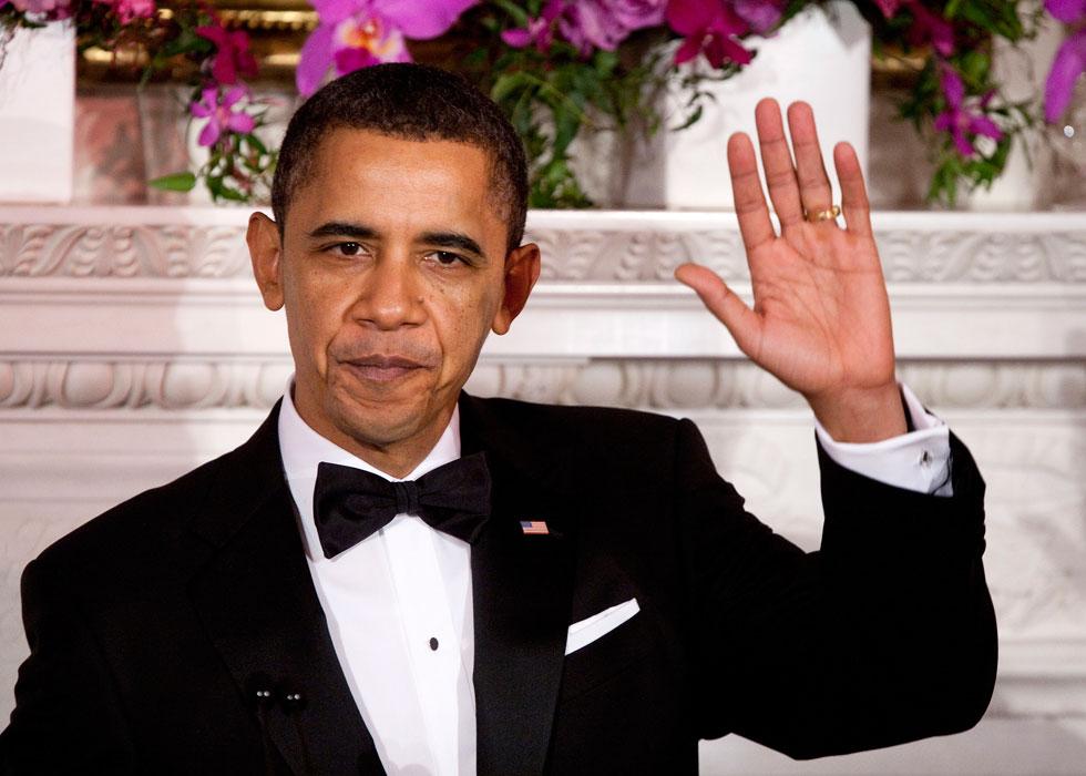 יודע ללבוש בסטייל חליפה שחורה ועניבת פרפר. ברק אובמה (צילום: Gettyimages)