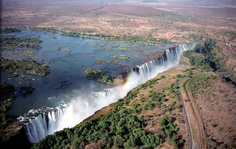 המפלים היפים בעולם: מפלי ויקטוריה בזמביה ()