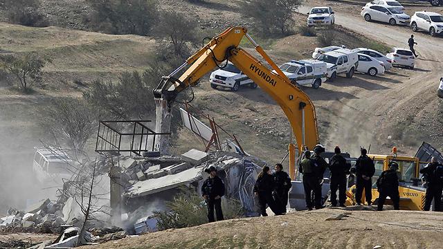 הריסת הבתים החלה בצל העימותים (צילום: AFP) (צילום: AFP)