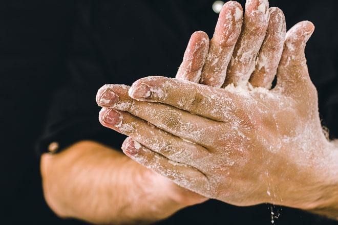 איך יודעים שהקמח עדיין טוב? יש שיטה פשוטה (צילום: Shutterstock)