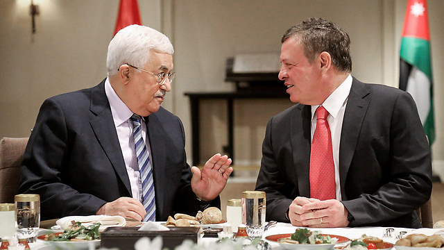 King Abdullah of Jordan with PA President Mahmoud Abbas (Photo: AFP) (Photo: AFP / Yousef Allan / Jordanian Royal Palace)