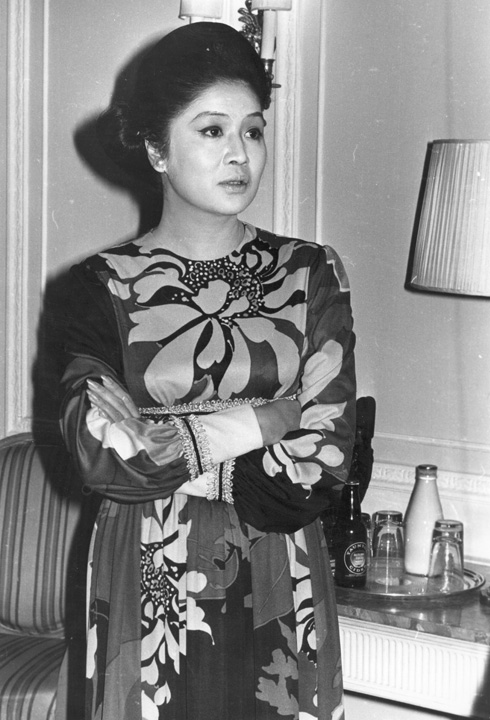 התפרסמה בעיקר בשל חיבתה לנעלי יוקרה. אימלדה מרקוס, 1971 (צילום: Gettyimages)