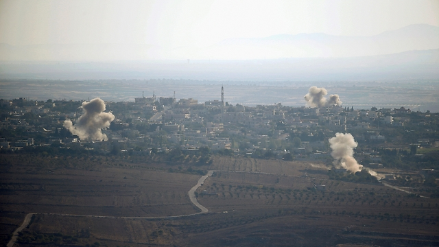 Fighting in Syria as seen from the Israeli border (Photo: Reuters)