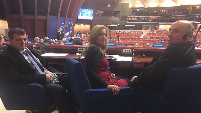 MK Aliza Lavie (center) and MK Eli Alaluf (right) (Photo: Knesset) (Photo: Knesset Spokesperson)