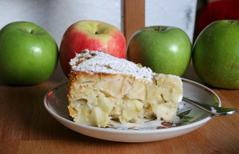 שרלוטקה: עוגת תפוחים רוסית (צילום: ילנה ויינברג)