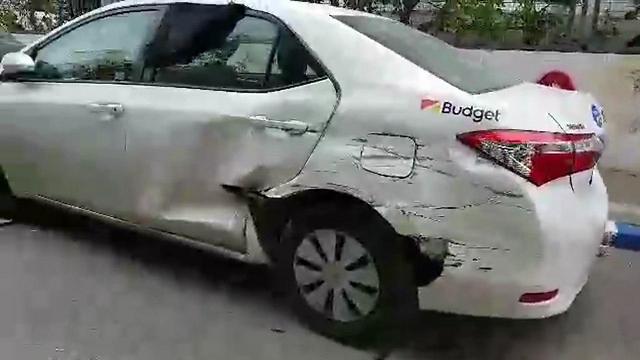 מכונית שספגה מכה מהמשאית של סרווס