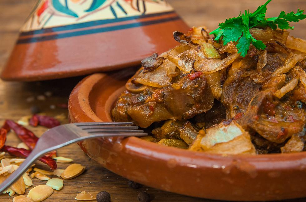 תבשיל כבש עם במיה ברוטב עגבניות, שף אבי לוי (צילום: דניאל אליאור) (צילום: דניאל אליאור)