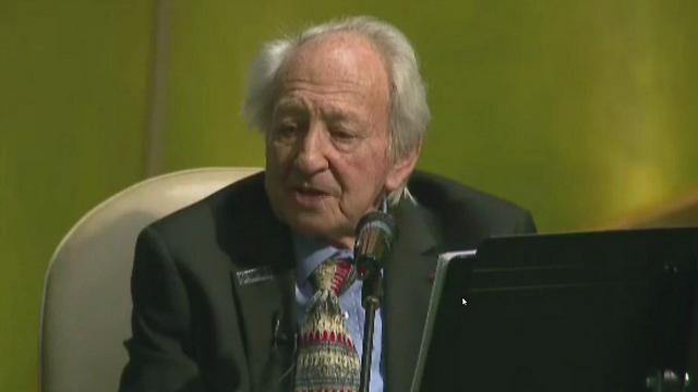 Noah Klieger addressing the UN General Assembly