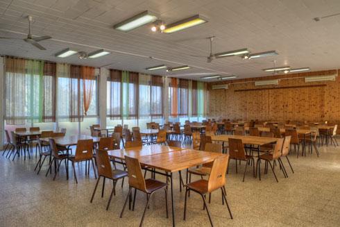 חדר האוכל ביחיעם (צילום: עמרי טלמור)