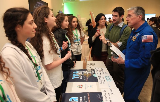 Специалисты НАСА на встрече с израильскими школьниками