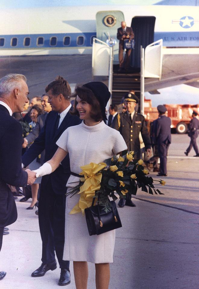 כדי ליצור את הסגנון הידוע של ג'קי קנדי נחוץ דבר מה נוסף, התכוונות, רעיון, תפיסת עולם כוללת. 1963 (צילום: Gettyimages)