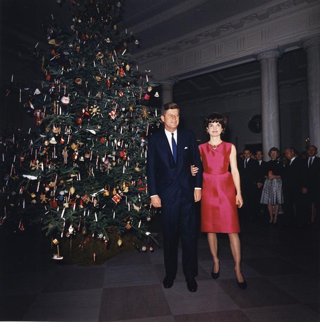 הנשפים, האלגנטיות, היופי והנעורים של משפחת קנדי בבית הלבן, חרוטים בזיכרון הלאומי האמריקאי יותר מהישגי כהונתו (צילום: Gettyimages)