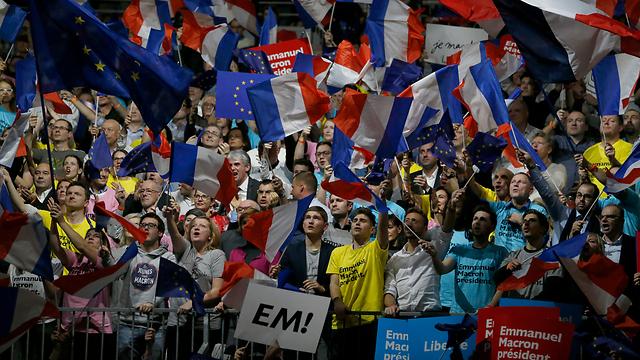"""מקרון פרש מהממשלה הצרפתית והקים את תנועת """"בתנועה"""" שזוכה לתמיכת אלפי צרפתים (צילום: MCT)"""