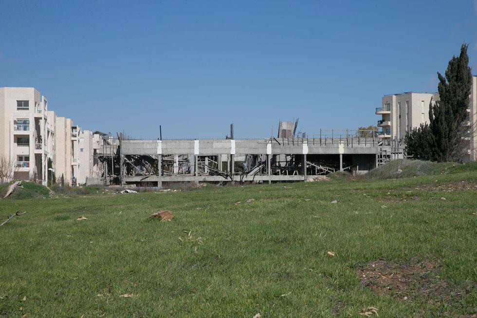 אופציה ראשונה: זה השטח שרכשה ארה''ב מממשלת ישראל להקמת שגרירותה, כבר ב-1988, ומשלמת עליו דולר בשנה מאז ועד היום (צילום: אוהד צויגנברג)