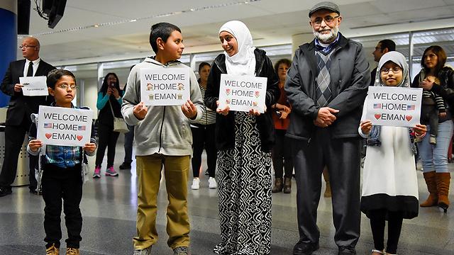 מוסלמים בנמל התעופה בסן פרנסיסקו. הצו על כף המאזניים (צילום: רויטרס)