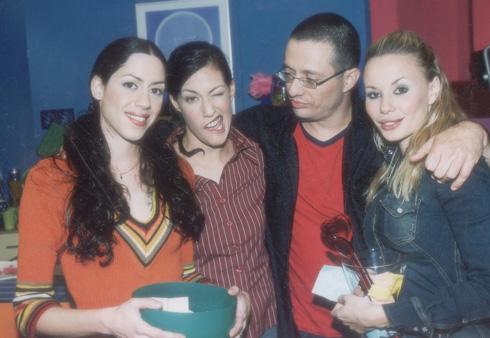 מימין: מורן אייזנשטיין, ארז טל, שירי בן ארי ואיגי וקסמן, 2001 (צילום: רפי דלויה)
